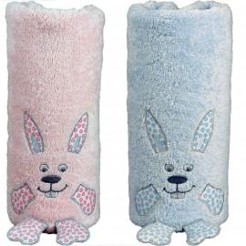 Serviette de bain personnalisée bébé en forme de lapin Django